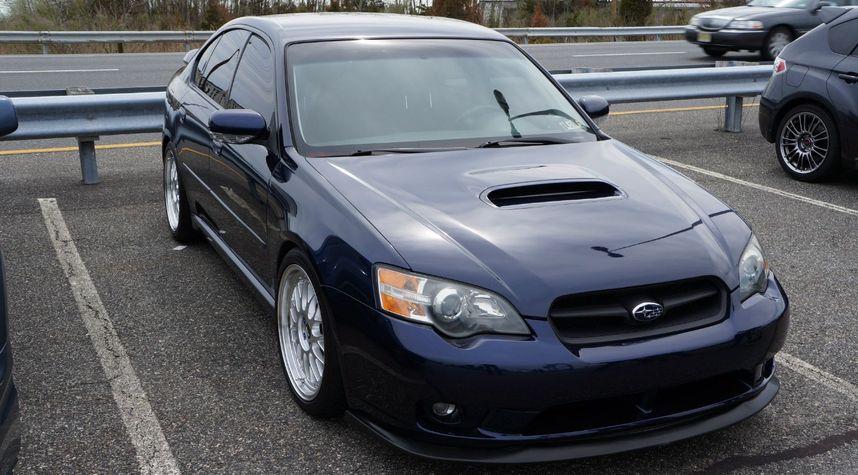 Main photo of Ilya Medved's 2005 Subaru Legacy