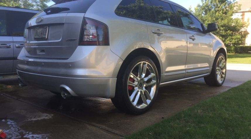 Main photo of Jerry Bourquin's 2009 Ford Edge
