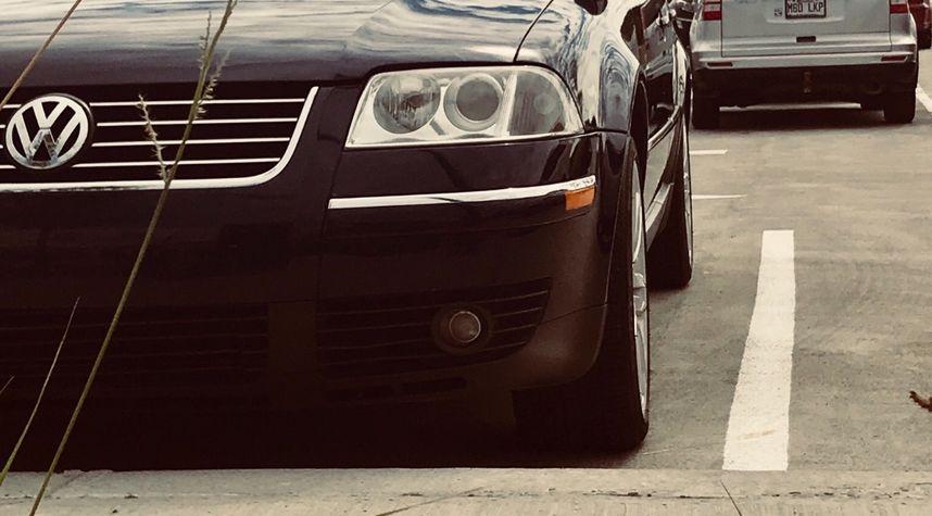Main photo of Massimo Iermieri's 2005 Volkswagen Passat