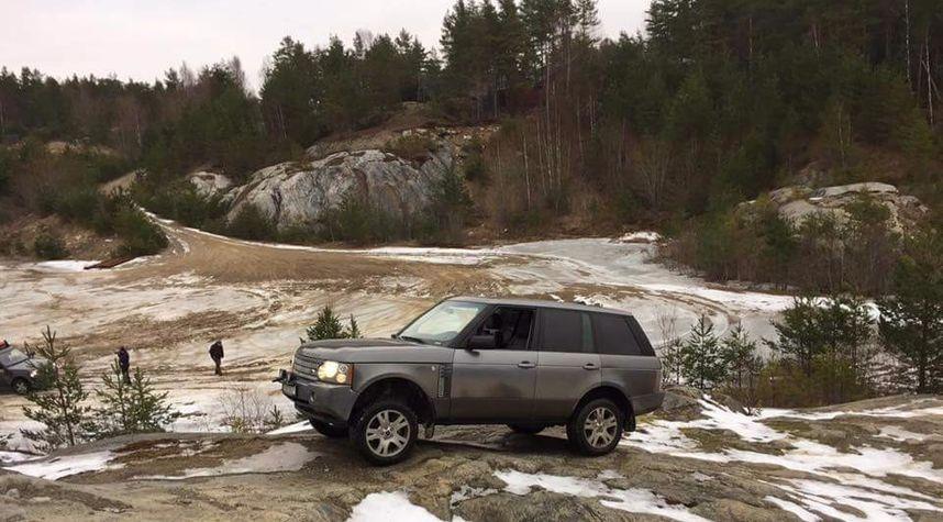 Main photo of Dan Backman's 2007 Land Rover Range Rover
