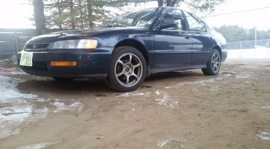 Main photo of Brett Tatakes's 1997 Honda Accord