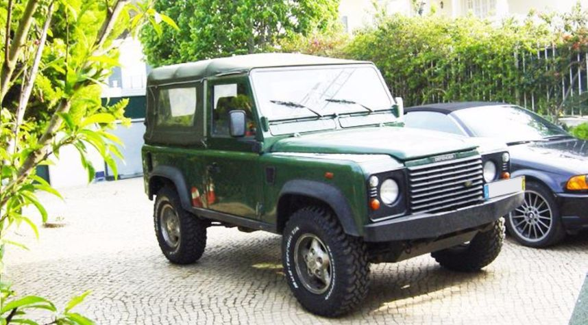 Main photo of Diogo Jose's 1999 Land Rover Defender