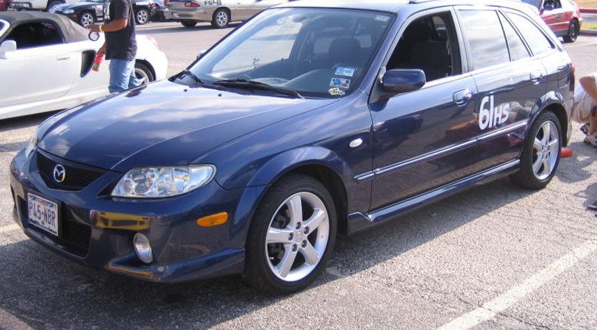 Main photo of Matthieu Salomon's 2002 Mazda Protege5