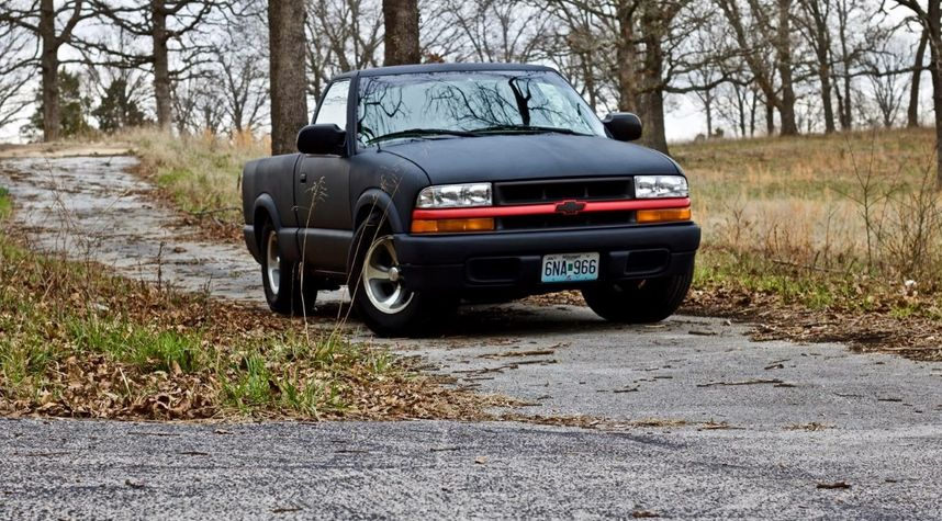Main photo of Taylor  Jackson 's 1996 Chevrolet S-10