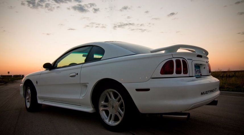 Main photo of Phill Erko's 1998 Ford Mustang