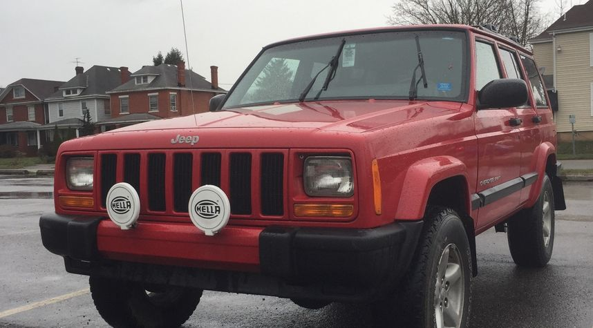 Main photo of Cameron Morgan's 2001 Jeep Cherokee