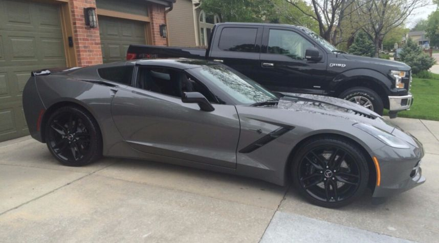 Main photo of Roxy Vendena's 2015 Chevrolet Corvette