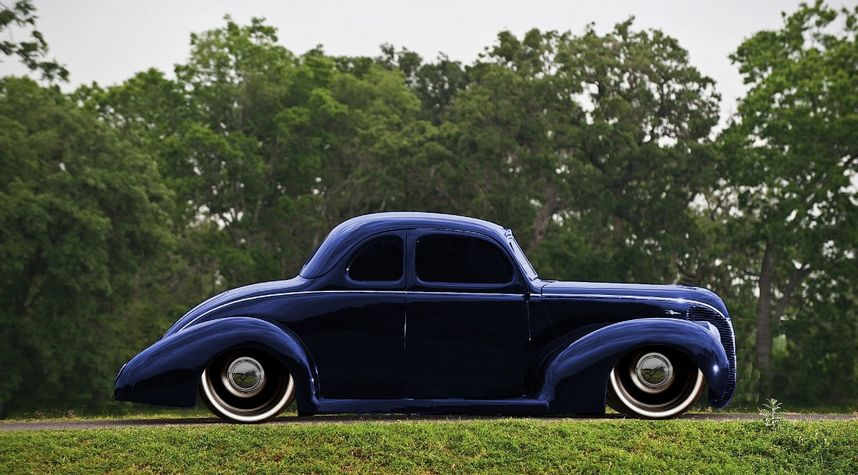Main photo of James Henderson's 1938 Ford Deluxe