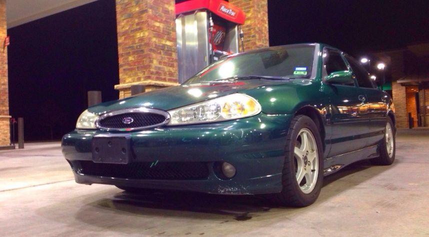 Main photo of Hunter Pollard's 2000 Ford Contour_SVT
