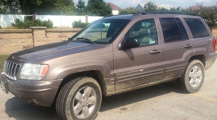 Main photo of Ishva Hernandez's 2001 Jeep Grand Cherokee
