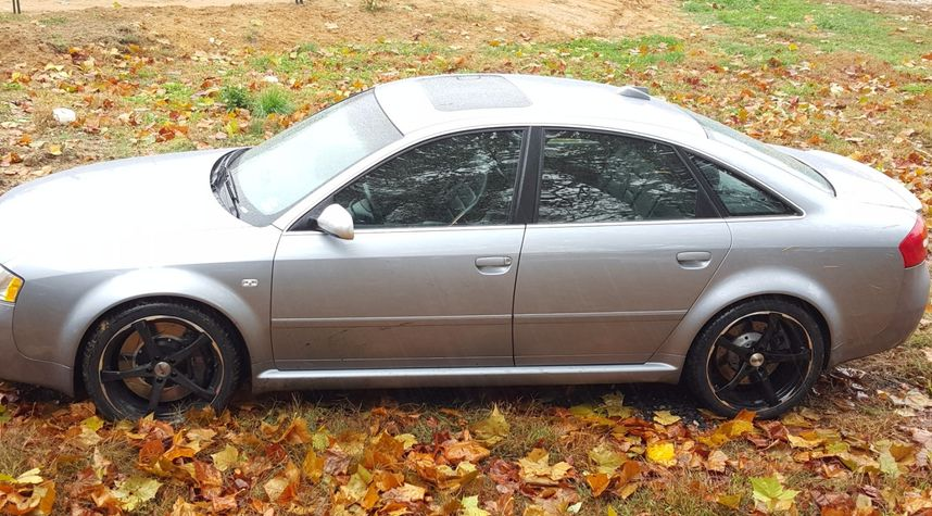 Main photo of Mitchell Apex hunter's 2003 Audi RS 6