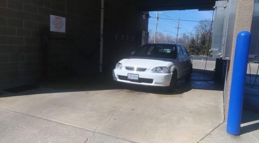 Main photo of Bradley Karlovec's 1997 Honda Civic