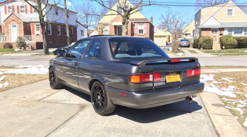 Main photo of Greg Morabito's 1992 Nissan Sentra