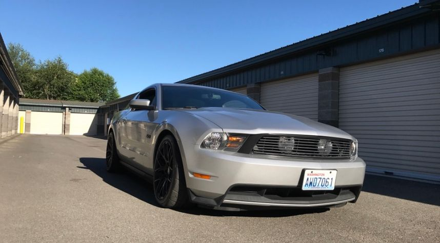 Main photo of Jake Raleigh's 2011 Ford Mustang