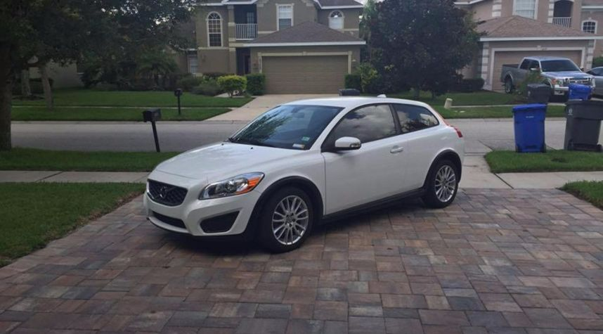 Main photo of Evan Hill's 2011 Volvo C30