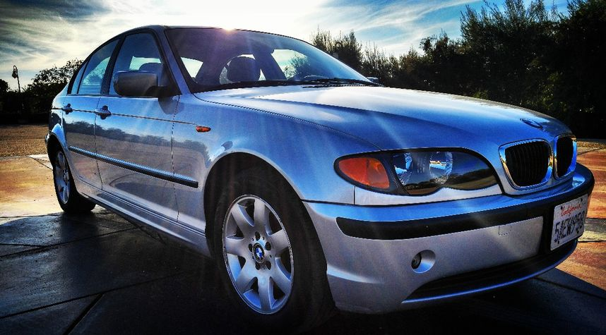 Main photo of Tosh Hortobagyi's 2002 BMW 325