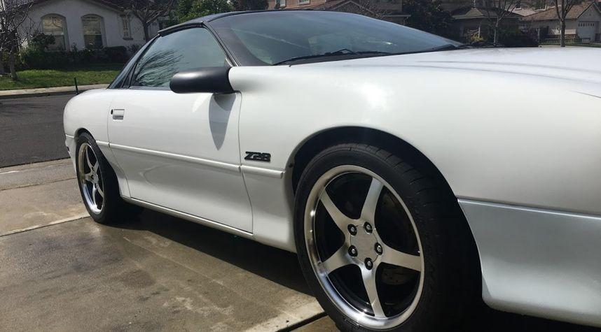 Main photo of Kyle Tice's 1999 Chevrolet Camaro