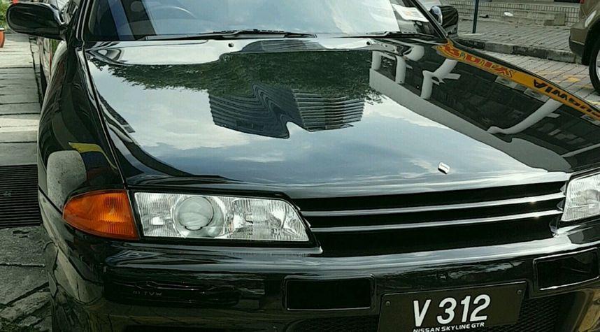 Main photo of Hadi Imran's 1989 Nissan Skyline