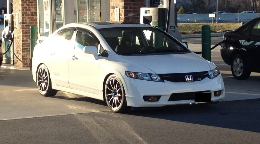 Main photo of Kris Balatero's 2009 Honda Civic