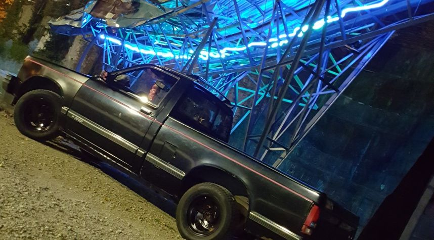 Main photo of Tristan Bollinger's 1993 Chevrolet S-10