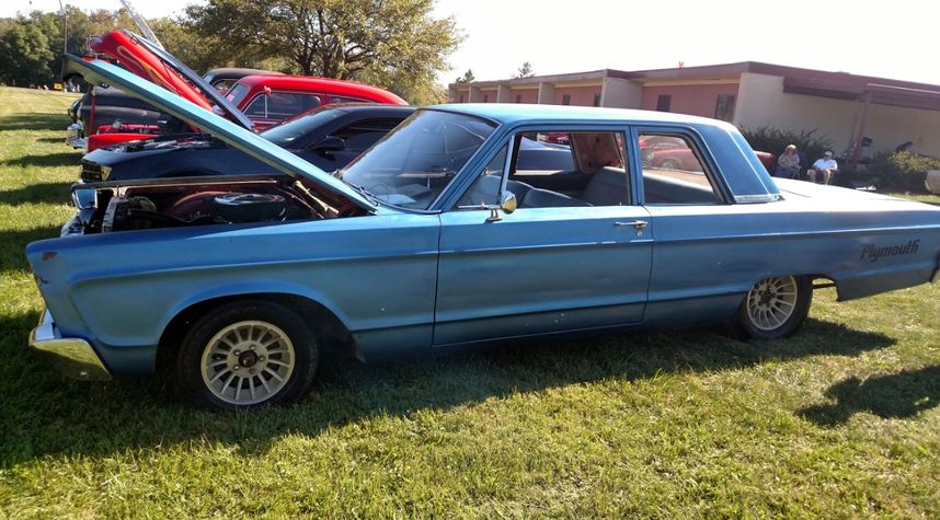 Main photo of Anthony Theisen's 1966 Plymouth Fury