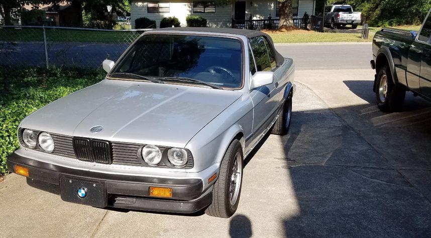 Main photo of Justin Landers's 1990 BMW 3 Series