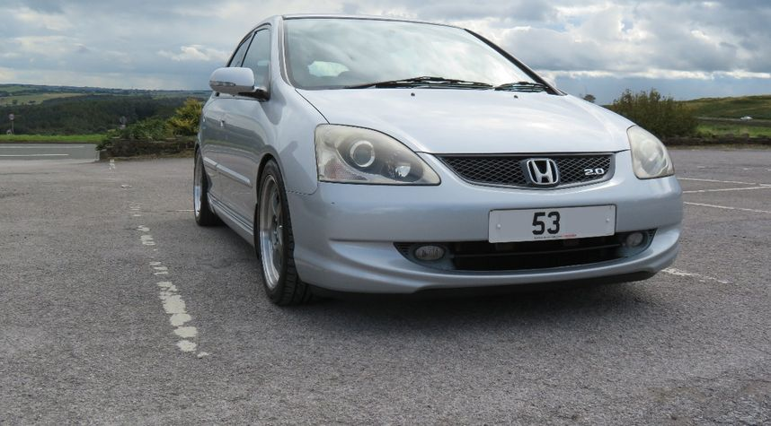 Main photo of James Bagguley's 2004 Honda Civic