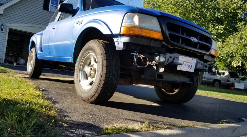 Main photo of EJ Montague's 1999 Ford Ranger