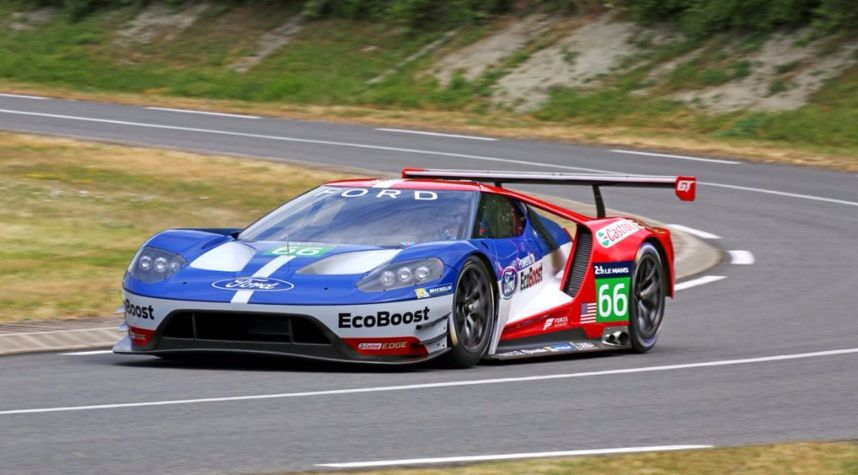 Main photo of Devin Liu's 2016 Ford GT