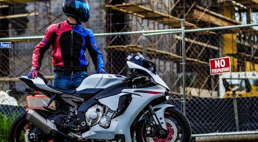 Main photo of Joe Go's 2015 Yamaha R1