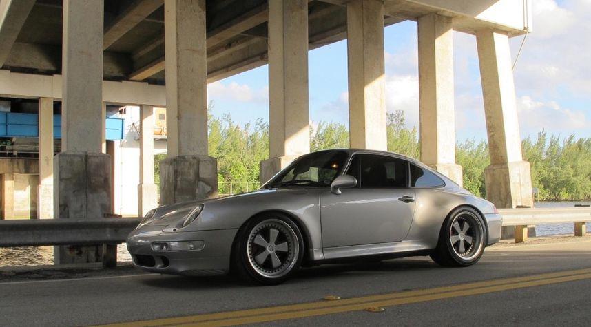 Main photo of Mike Truong's 1997 Porsche 911