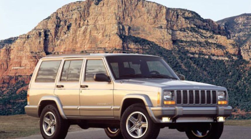 Main photo of Andrew Michael's 2001 Jeep Cherokee