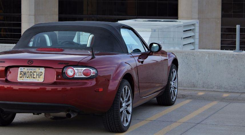 Main photo of James Tarbox's 2006 Mazda MX-5 Miata