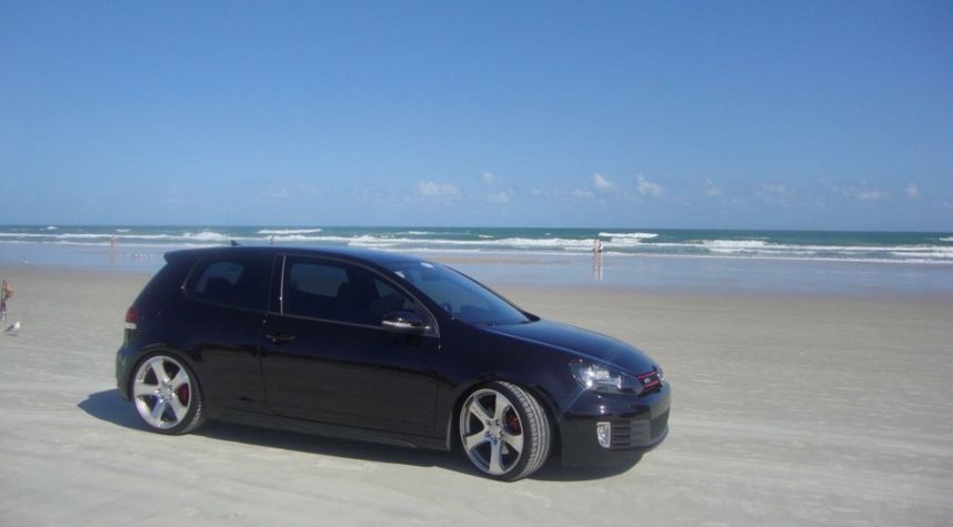 Main photo of Miguel Fernandez's 2012 Volkswagen GTI