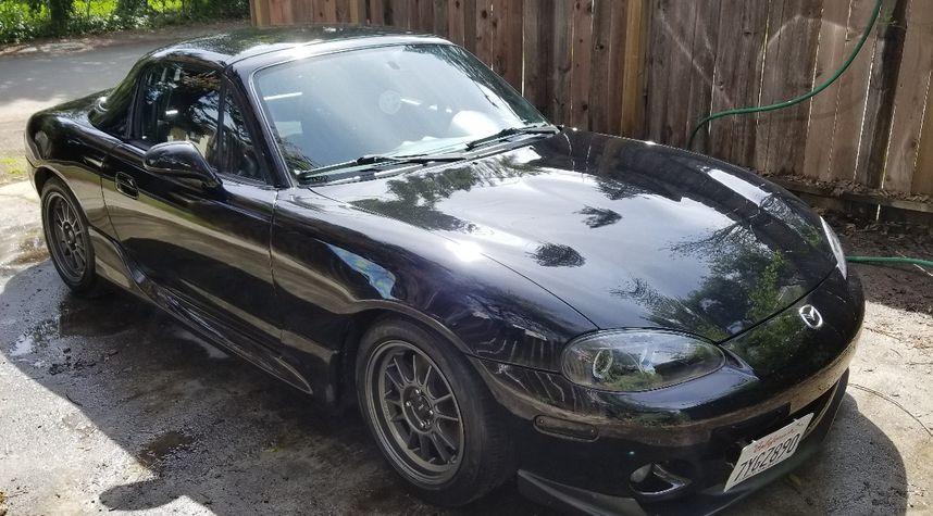 Main photo of Josh Schauert's 2003 Mazda MX-5 Miata