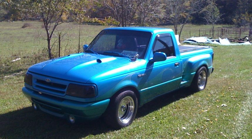 Main photo of Justin Parker's 1993 Ford Ranger