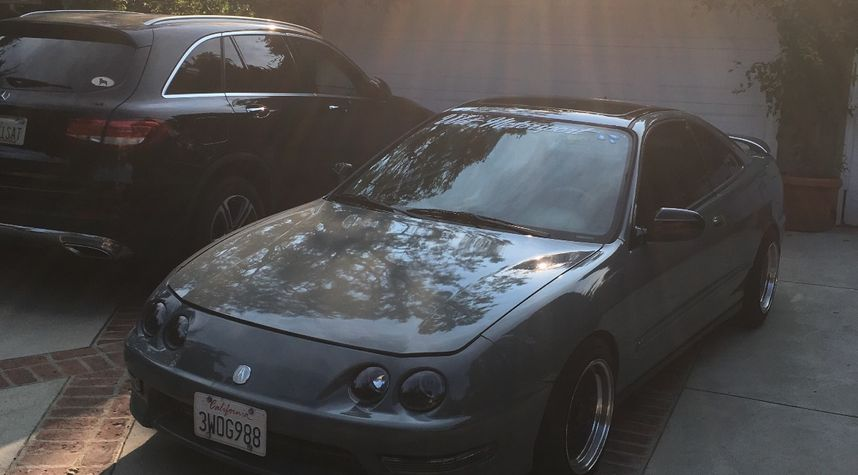 Main photo of Dylan Weinhart's 1997 Acura Integra