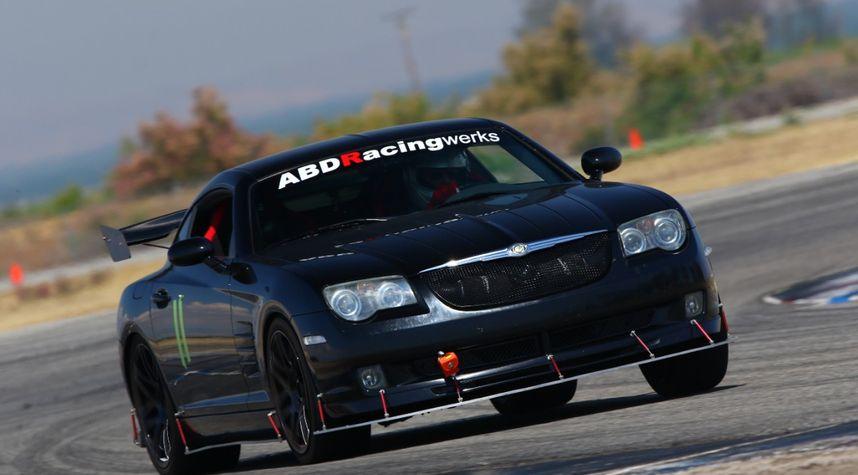 Main photo of Theo Garland's 2005 Chrysler Crossfire