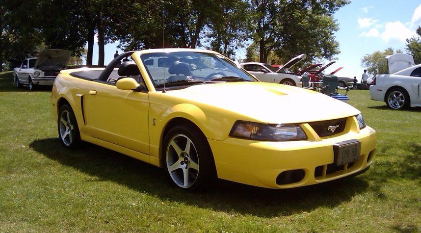Main photo of Christopher Beacock's 2003 Ford Mustang SVT Cobra