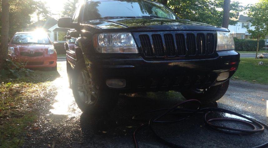 Main photo of Nathan Van Egmond's 2000 Jeep Grand Cherokee