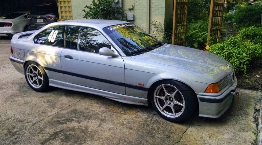 Main photo of Justin Hodges's 1998 BMW M3