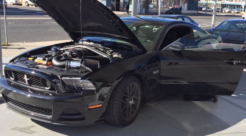 Main photo of Adeniyi Williams's 2014 Ford Mustang