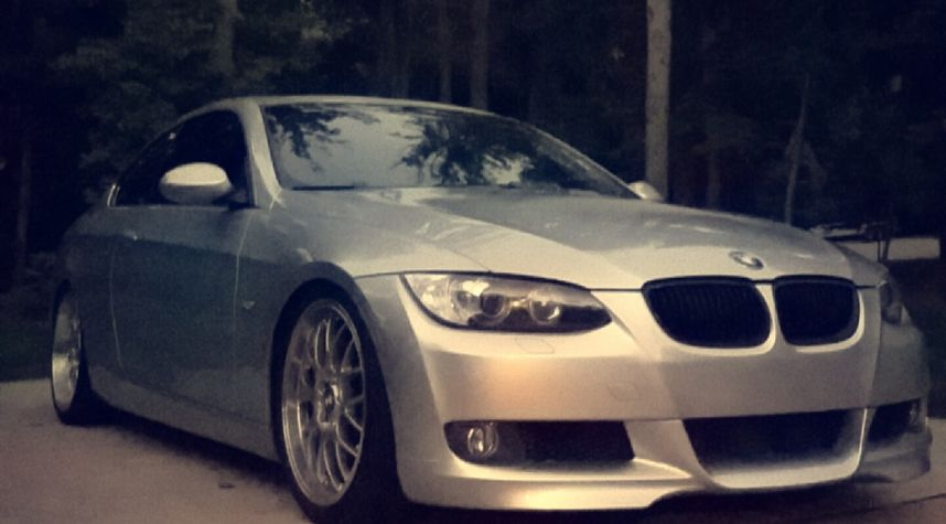 Main photo of Kyle Schindler's 2009 BMW 3 Series