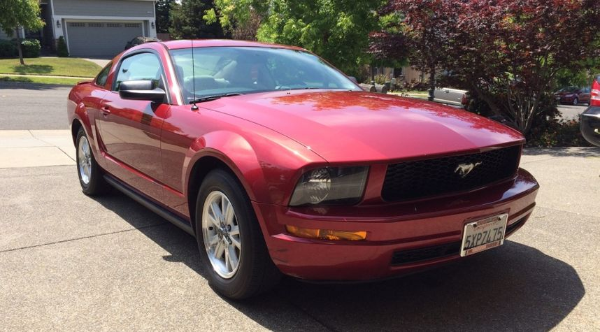 Main photo of Seth White's 2007 Ford Mustang