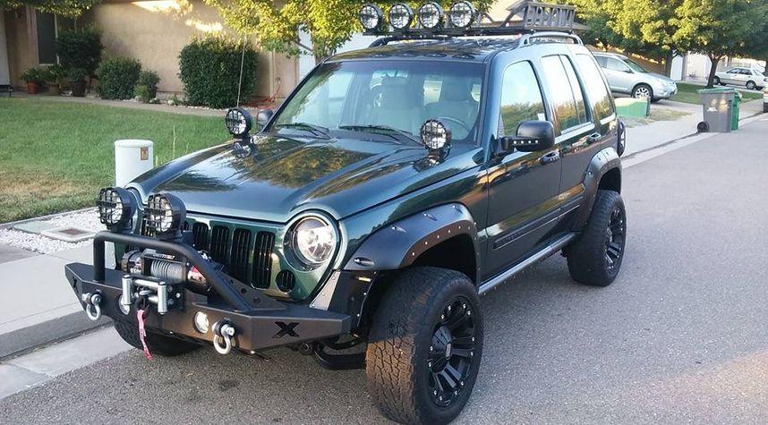 Main photo of Shawn Scroggin's 2005 Jeep Liberty