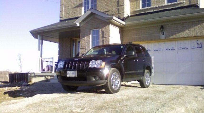 Main photo of Ryan Barker's 2009 Jeep Grand Cherokee