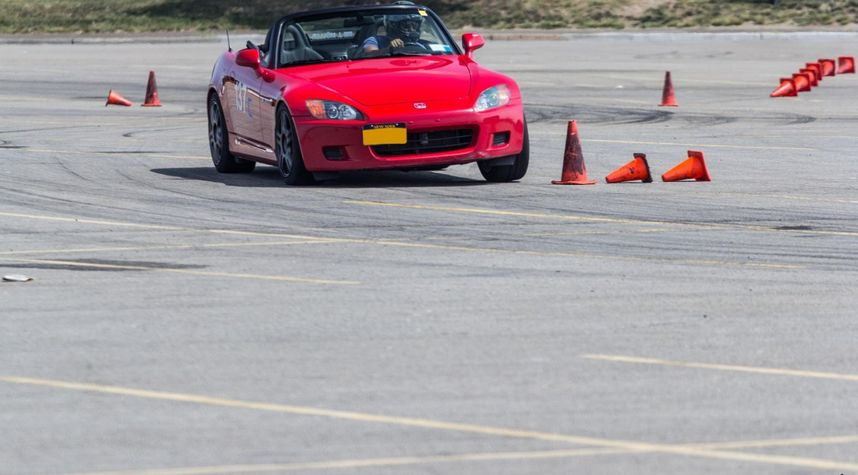 Main photo of Nick R's 2003 Honda S2000