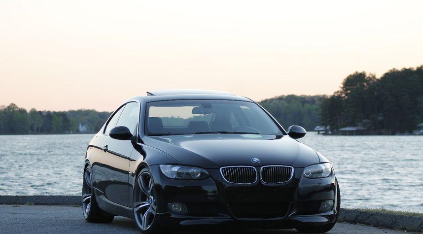 Main photo of Jake Mueller's 2008 BMW 328i