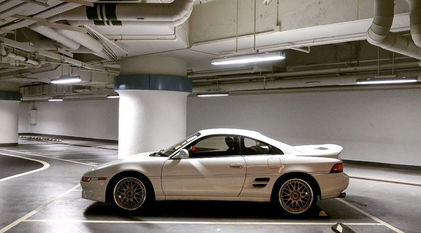Main photo of Lawrence Chan's 1993 Toyota MR2