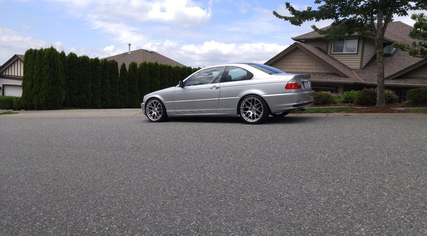 Main photo of Jesiah Dyck's 2001 BMW 3 Series